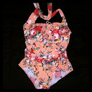 NWOT Adorable pinup one-piece bathing suit
